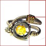 arma-a-detonazione-microcarica-bottone-giallo-con-innesco-a-rotazione
